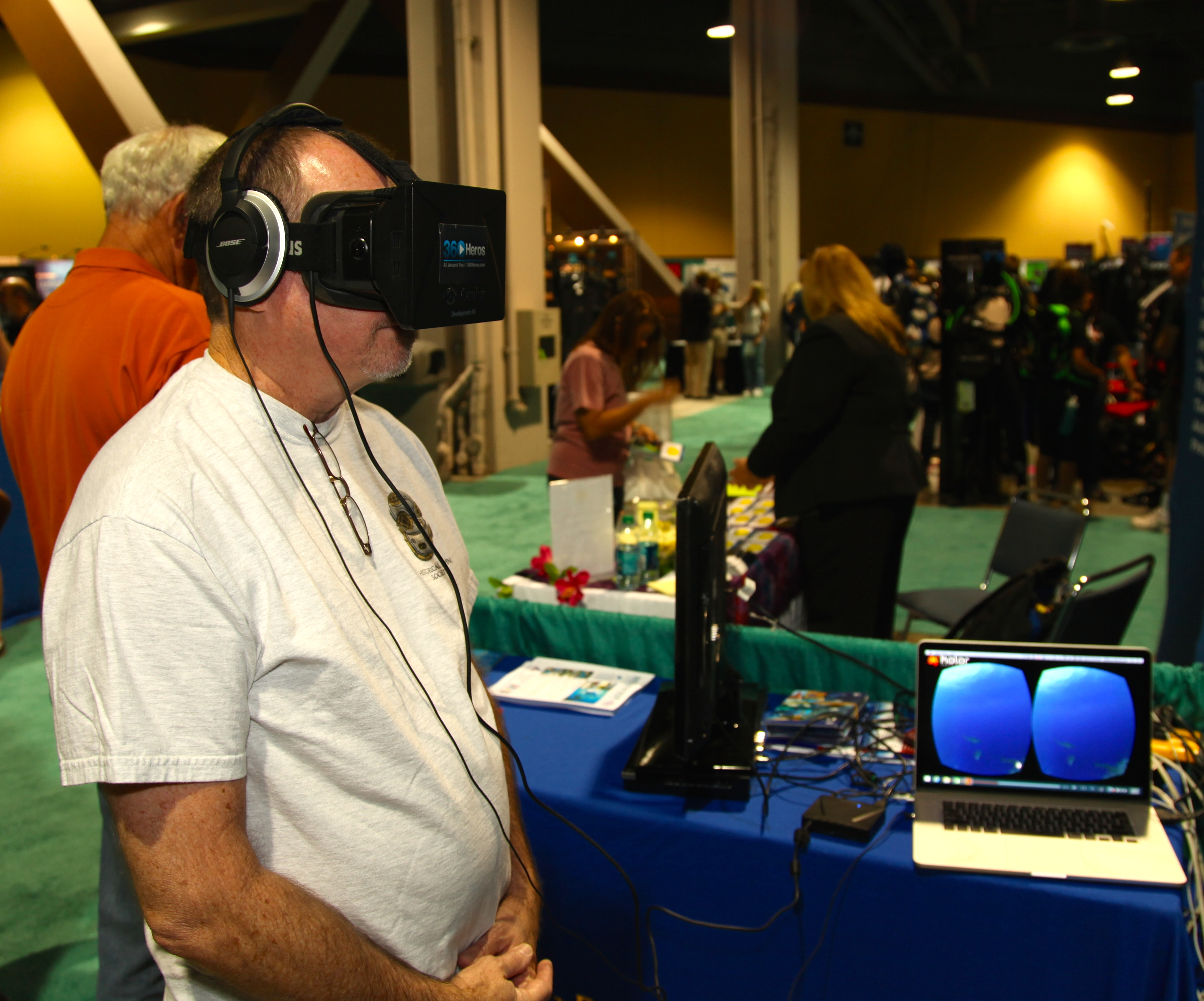 Diving into Virtual Reality at the 2014 Scuba Show